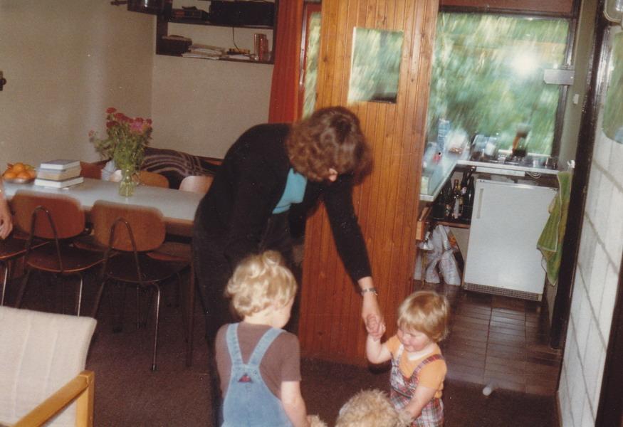1981-04-epe-gld