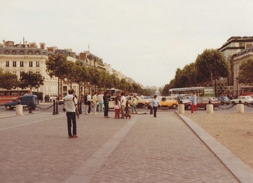 1983-75-parijs
