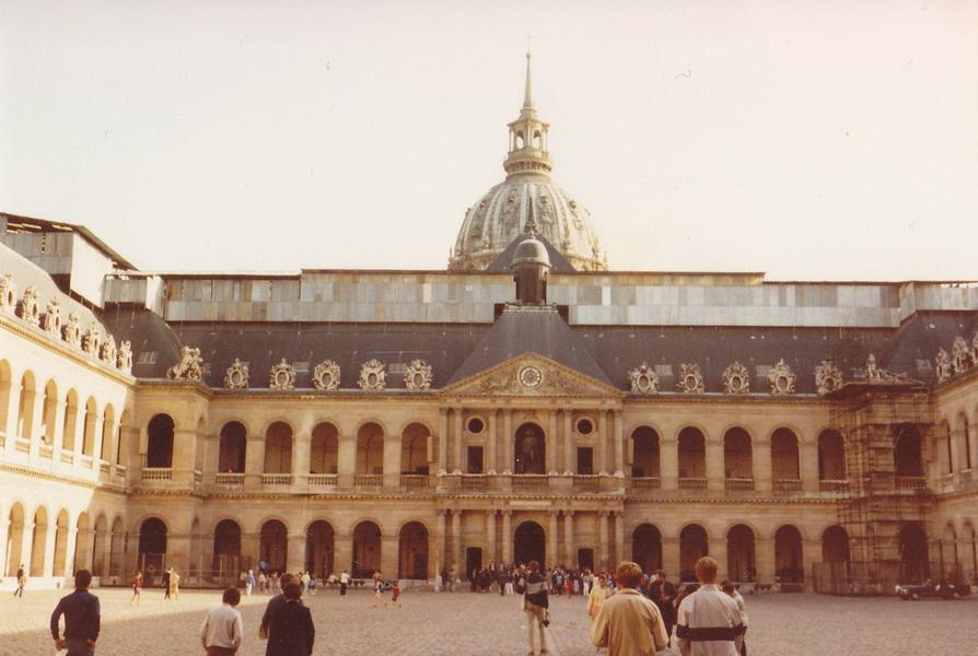 1983-82-parijs