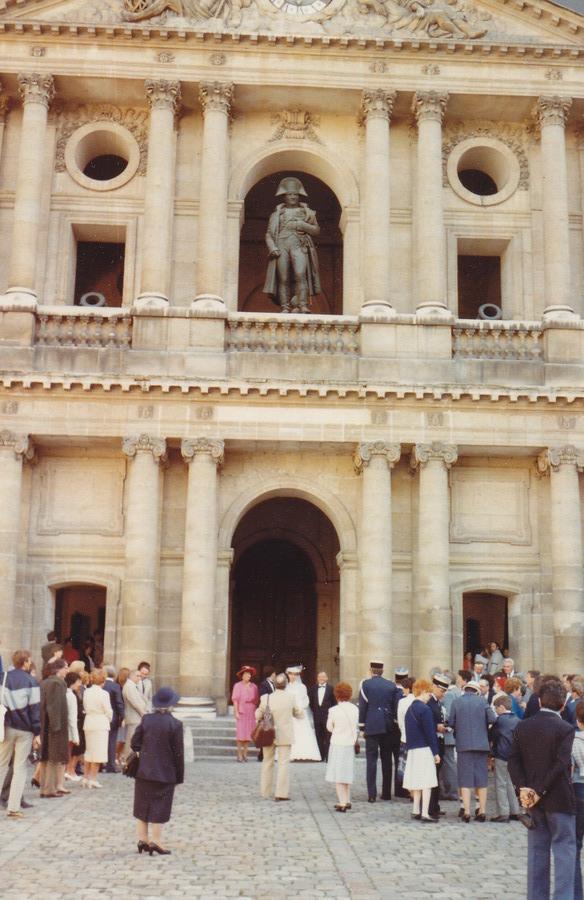 1983-83-parijs